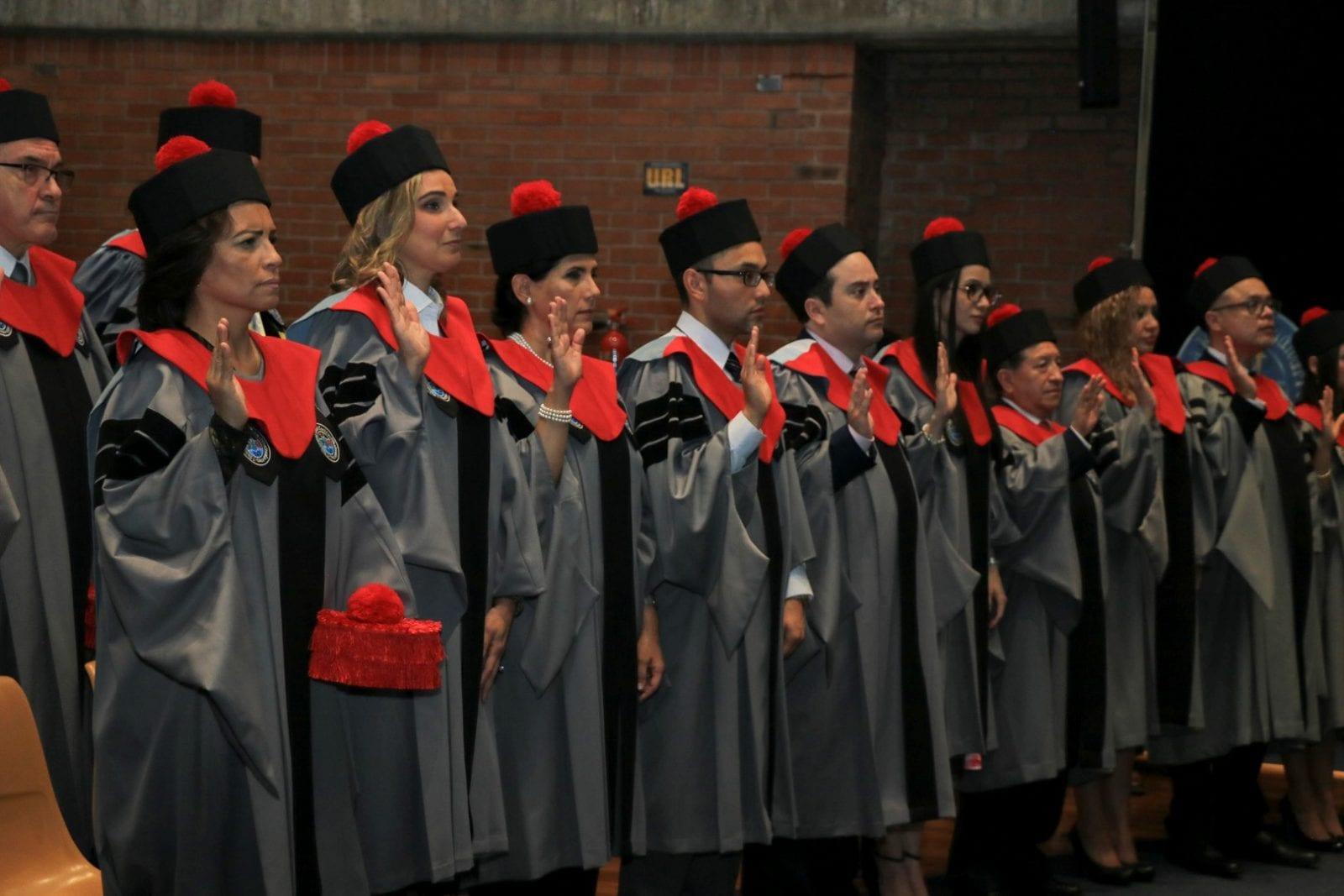 Investidura de doctores, graduación de magisteres y lección inaugural de la 4ª edición del Programa Internacional imagen