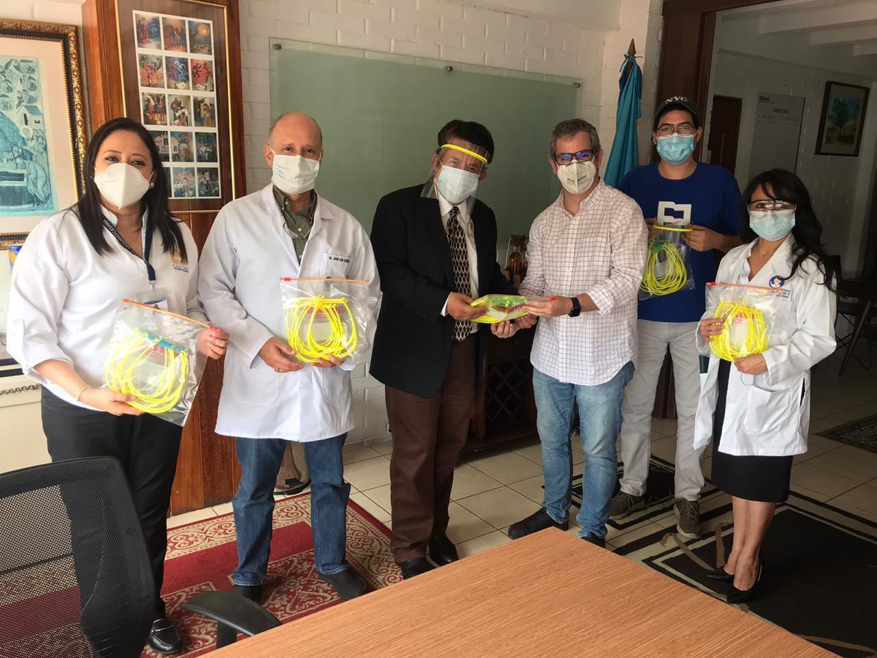 Landívar entrega  protectores faciales al Hospital Infantil Juan Pablo II imagen