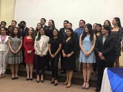 Colegio de Ingenieros Químicos de Guatemala entrega reconocimiento a estudiantes landivarianos Image