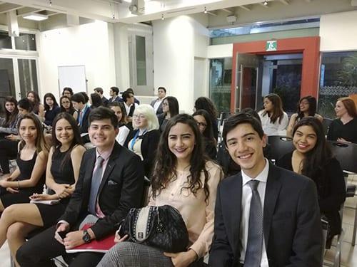Estudiantes landivarianos visitan Ministerio de Relaciones Exteriores imagen