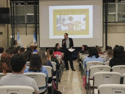 Jóvenes promotores de la prevención de la violencia Image