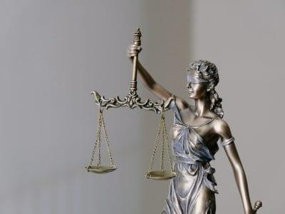 Promoción de la justicia y universidad Image