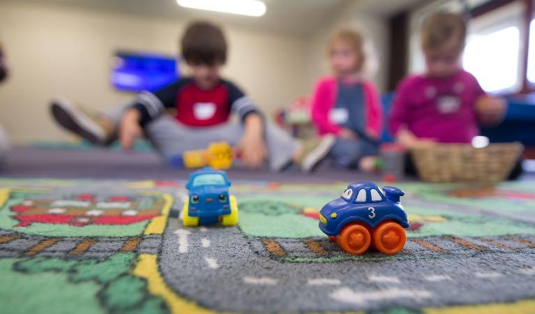 Tiempo para comer, jugar y amar: la primera infancia imagen