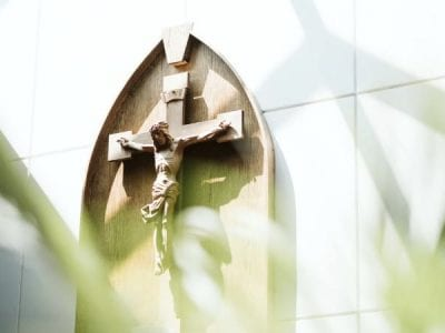 Acompañando a caminar a los crucificados de hoy – los pobres Image