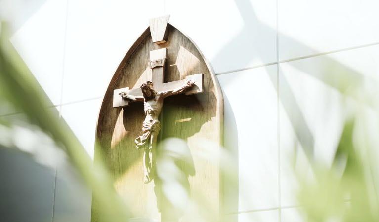 Acompañando a caminar a los crucificados de hoy – los pobres imagen